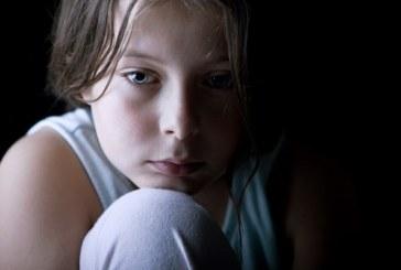 الحرمان العاطفي يؤثر على دماغ الطفل وإدراكه وطوله أيضاً