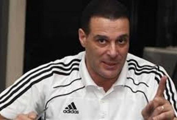 عصام عبد الفتاح رئيس لجنة الحكام باتحاد الكرة المصرى يخدع جهاد جريشة في أزمته الأخيرة