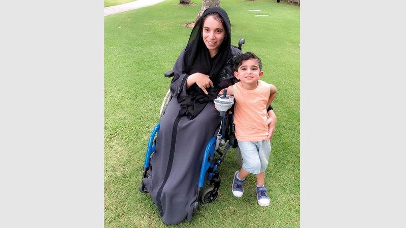 سارة القبيسي.. إماراتية تحدّت إعاقتها بالرياضة والعلم والعمل