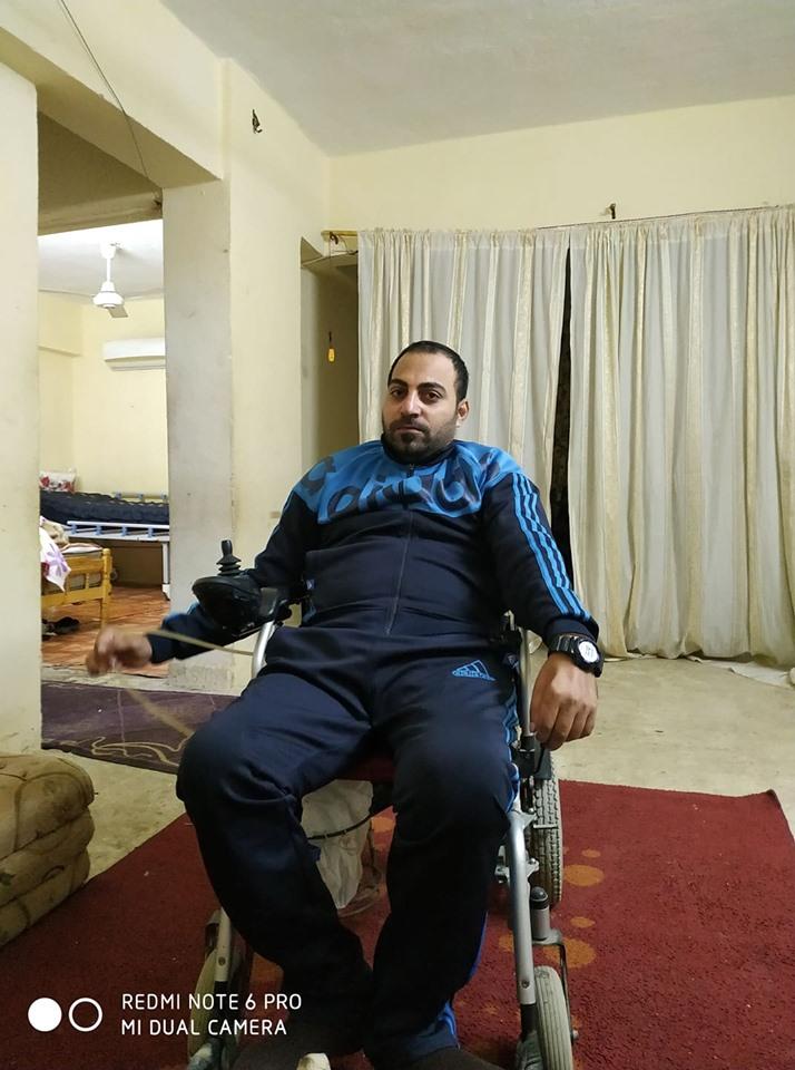 الكابتن (انور سلامة )بطل من أبطال مصر المهمشين ... أرحموا عزيز قوم ذل