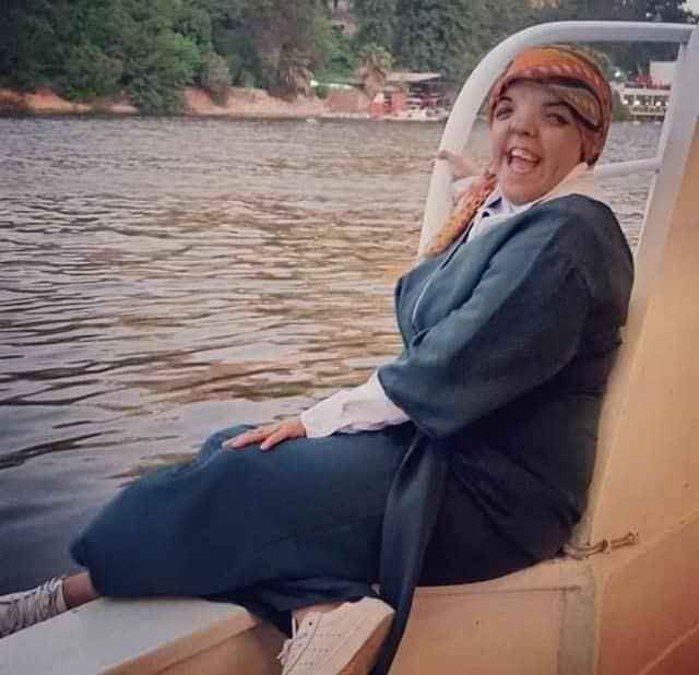 حكاية هاجر محمد خالد التى تظهر لاول مرة لمواجهة الناس فى حياتها وتكون من المشاهير