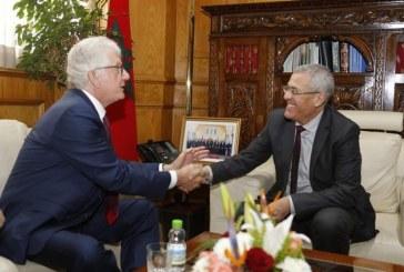 سفير الولايات المتحدة الامريكية بالرباط السيد دافيد فيشر في ضيافة وزير العدل المغربي محمد بنعبد القادر