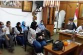 معلمي ومعلمات إدارة البساتين ودار السلام يتقدمون بالشكر لمدير إدارة البساتين التعليميه