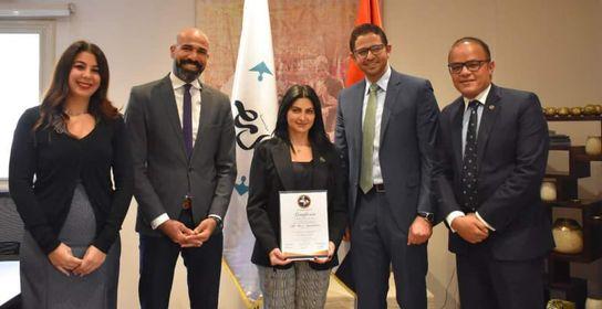 """حصلت مؤسسة اهل مصر على جائزة Model Hospital ضمن """"#المبادرة_الذهبية"""" في القطاع الصحي"""